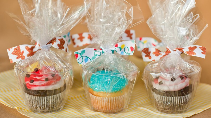 how to start a wholesale bakery